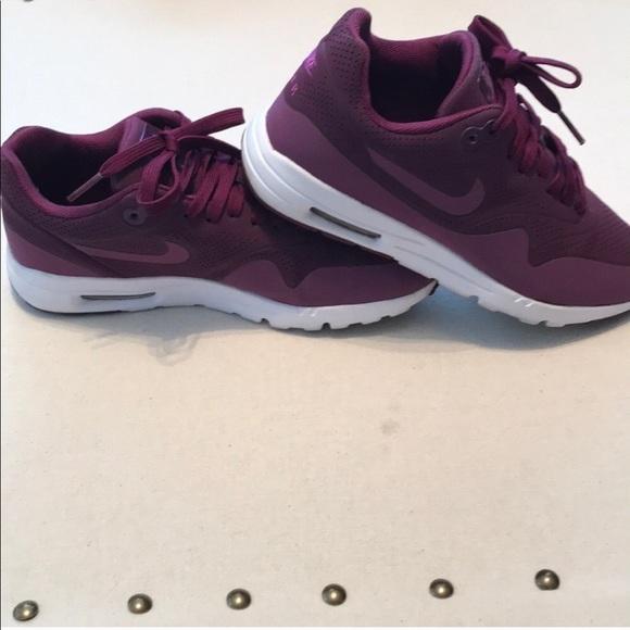 dark purple nike air max